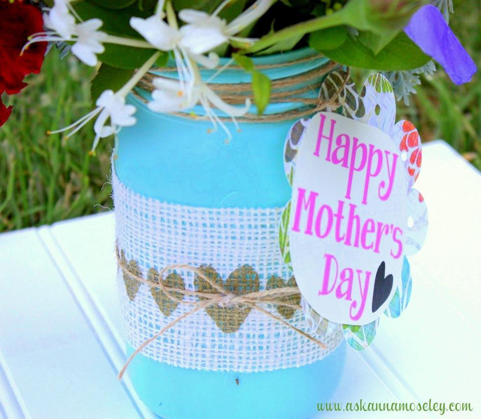 Mason Jar Vases {Gift Idea}