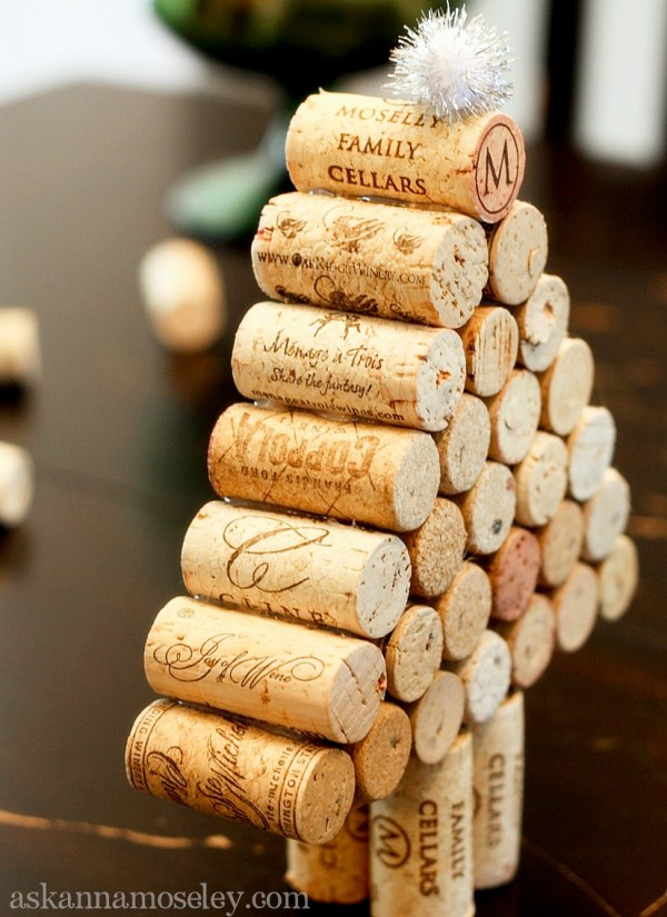 Wine cork Christmas tree tutorial - all you need are some old corks and a hot glue gun, it's easy to make and they make great gifts | Ask Anna