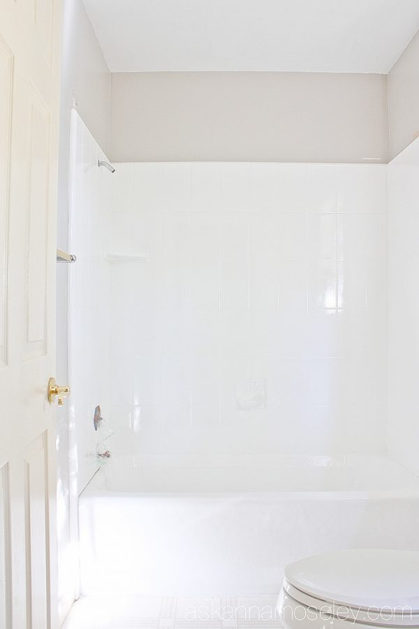How To Update An Ugly Bathtub Ask Anna - Change bathtub color kit