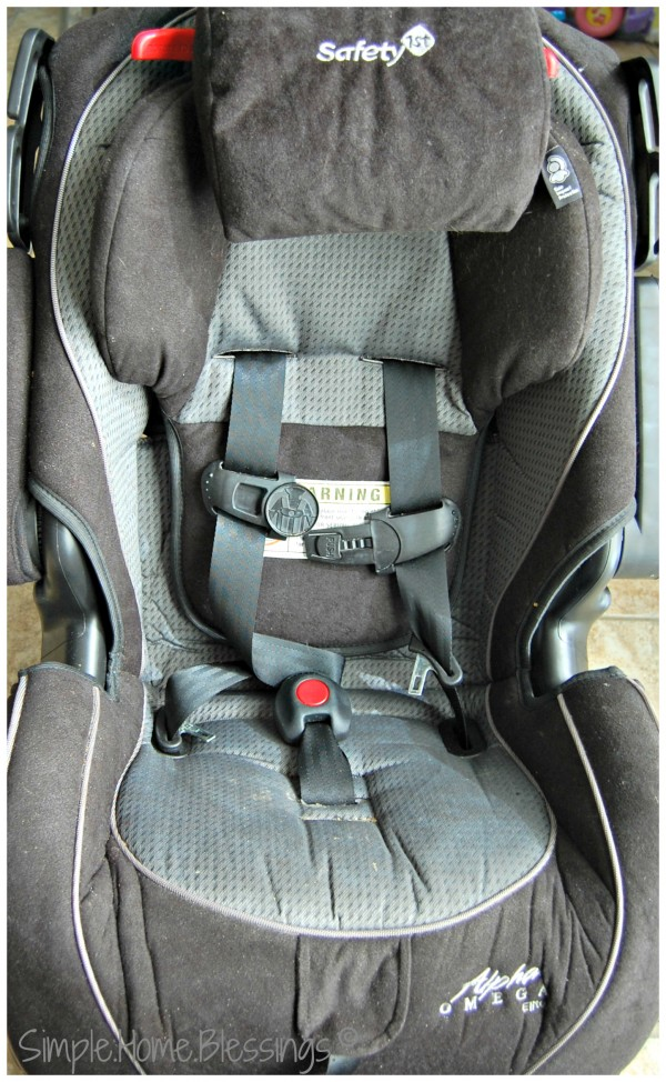 How to clean a car seat - Ask Anna