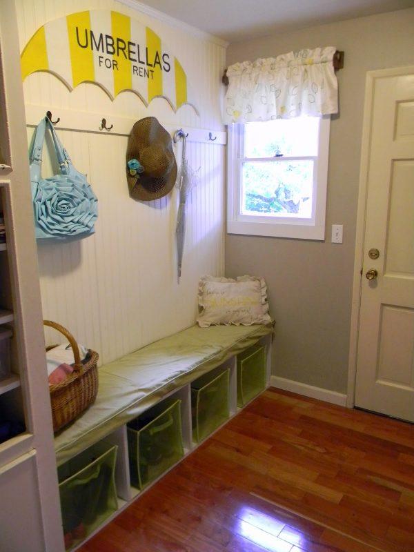 Mud room -Shelstring