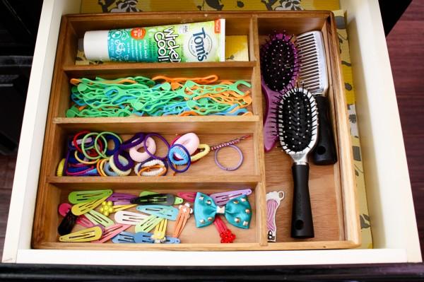 Drawer organization using a silverware tray - Ask Anna