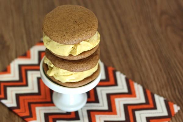 Pumpkin ice cream sandwiches (Gluten free & vegan)