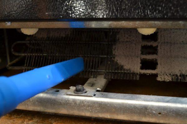 Vacuum coils on fridge