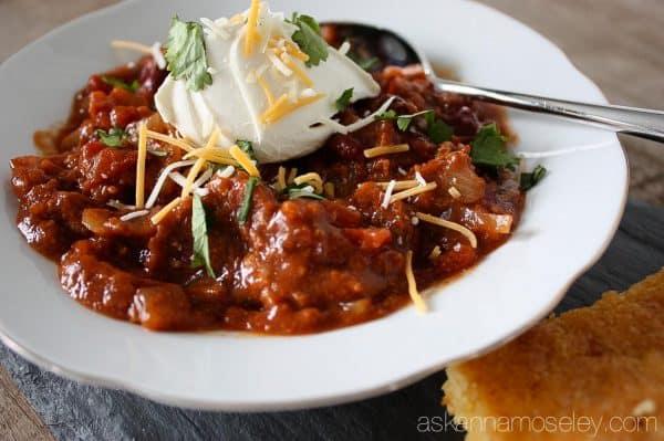 Easy crockpot chili recipe - Ask Anna