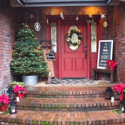 A Christmasy Front Porch Tour