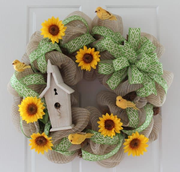 DIY Sunflower birdhouse wreath tutorial