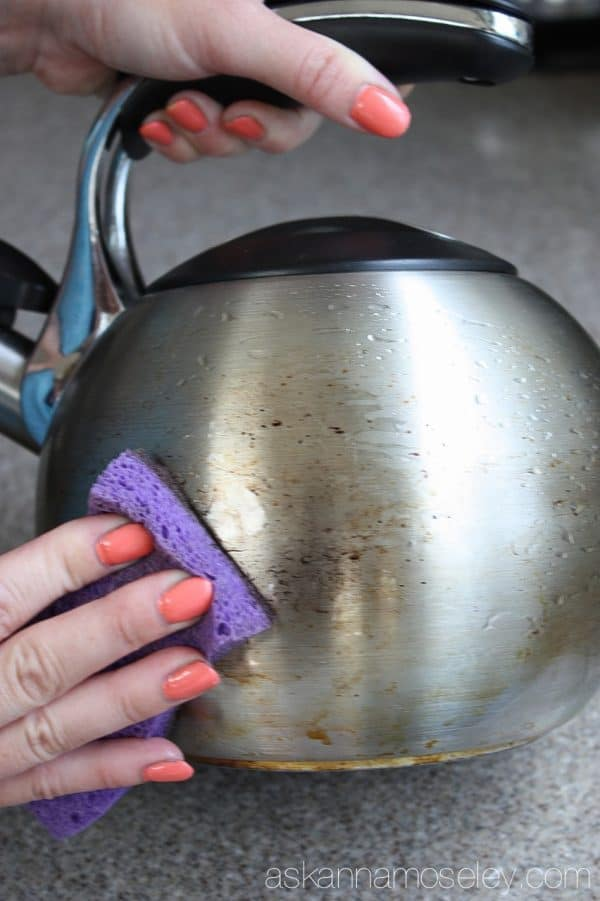 How to quickly and easily clean a teapot without chemicals - Ask Anna