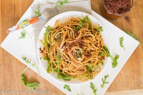 Sun-Dried Tomato Pistou Pasta with Arugula 1