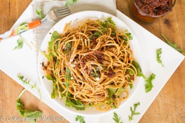 Sun-Dried Tomato Pistou Pasta with Arugula 4