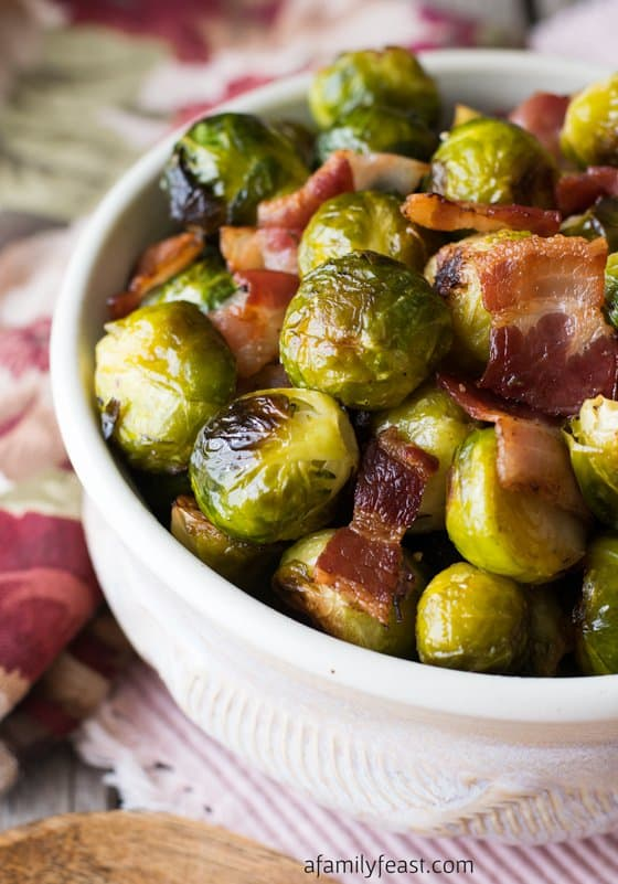 Oven roasted bacon and brussels sprouts, the perfect side dish for ever Thanksgiving feast