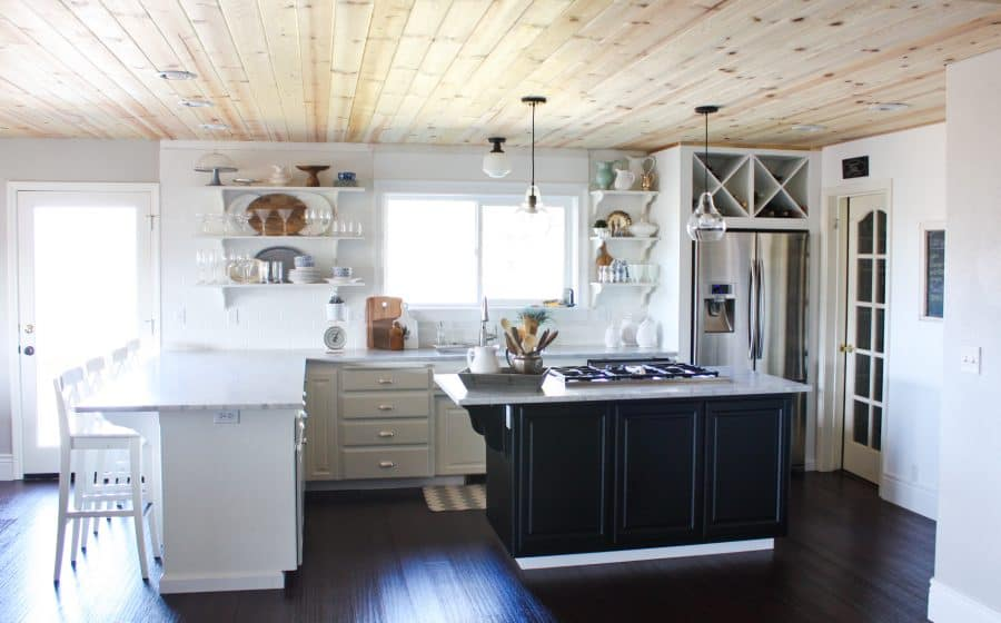 Farmhouse chic kitchen | Ask Anna